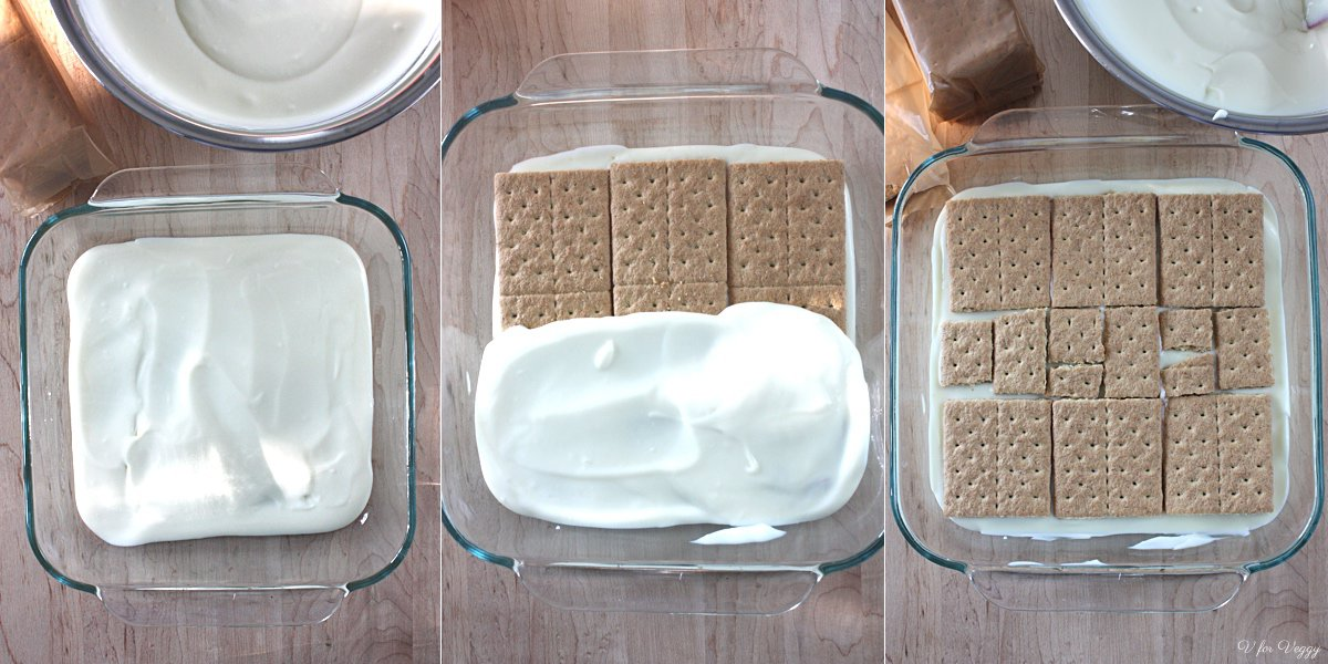 A layer of cream, a layer of crackers, and repeat.