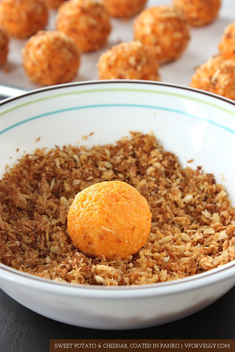 Oven baked sweet potato balls, with only 3 ingredients: sweet potato, cheddar cheese, and panko.